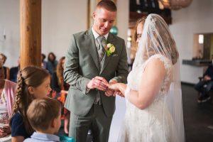 Bruiloft bij Het Koetshuis in Rotterdam - Angela de Baat Fotografie